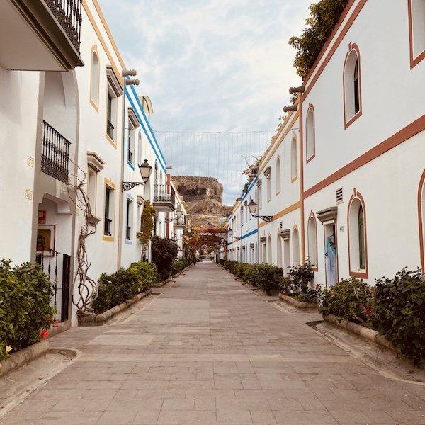 Häuser im Ort Puerto de Mogan