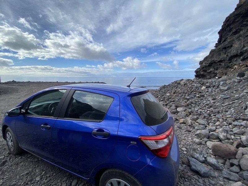 Auto bei Playa de Tasartico auf Gran Canaria