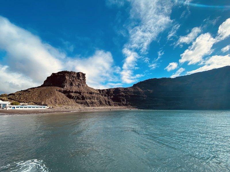 Dedos de Dios im Hafenort Puerto de las Nieves im Westen von Gran Canaria