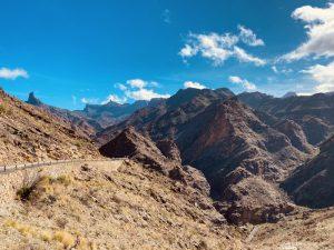 Sicht auf Roque Nublo, Roque Bentaya und Bergwelt von Gran Canaria von Mirardor de Molino