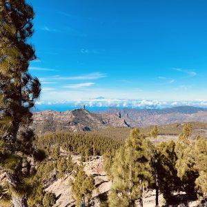 Sicht auf Roque Nublo und Bergwelt von Gran Canaria von Punto de las Nieves aus