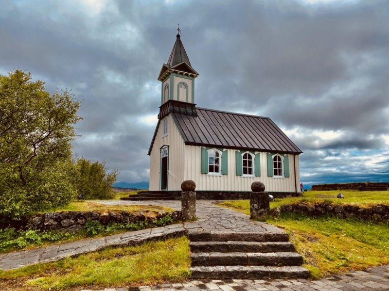 Der Golden Circle in Island - Kirche Thingvellir