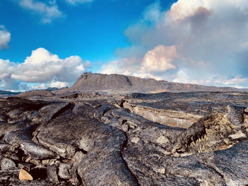 Weg B zum Geldingadalir Vulkan und Sicht auf den Krater